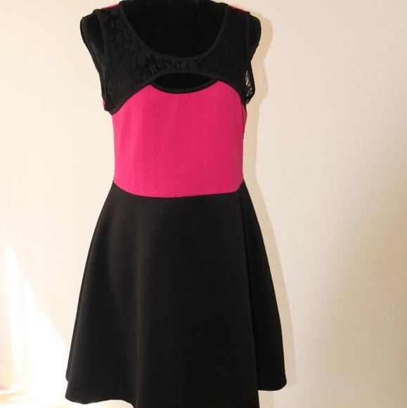 560c6944b94 Pink and Black mini dress. NWT. ross